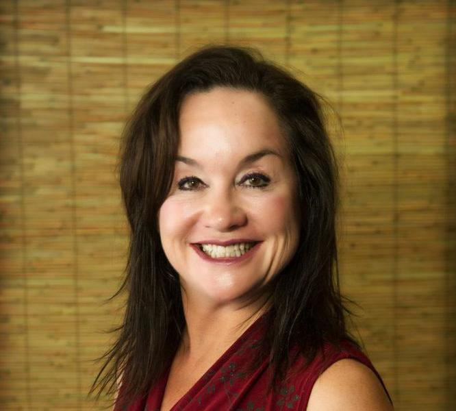 Dr Ashley Hoyt